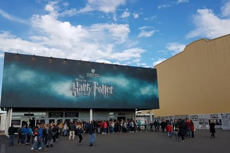 Warner Bros. Studio Tour - Making of Harry Potter